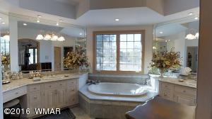 MBR1 Bathroom