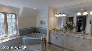 MBR2 Bathroom