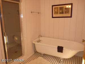 23 MAIN WHITE BATH
