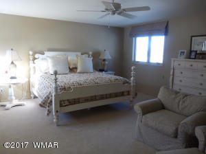 24 MAIN WHITE BED RM