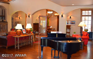 Main House Livingroom 4