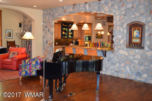 Main House Livingroom 6