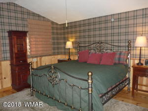 18 MAIN GREEN BED RM