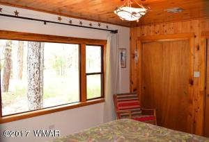 Cabin Bedroom2A