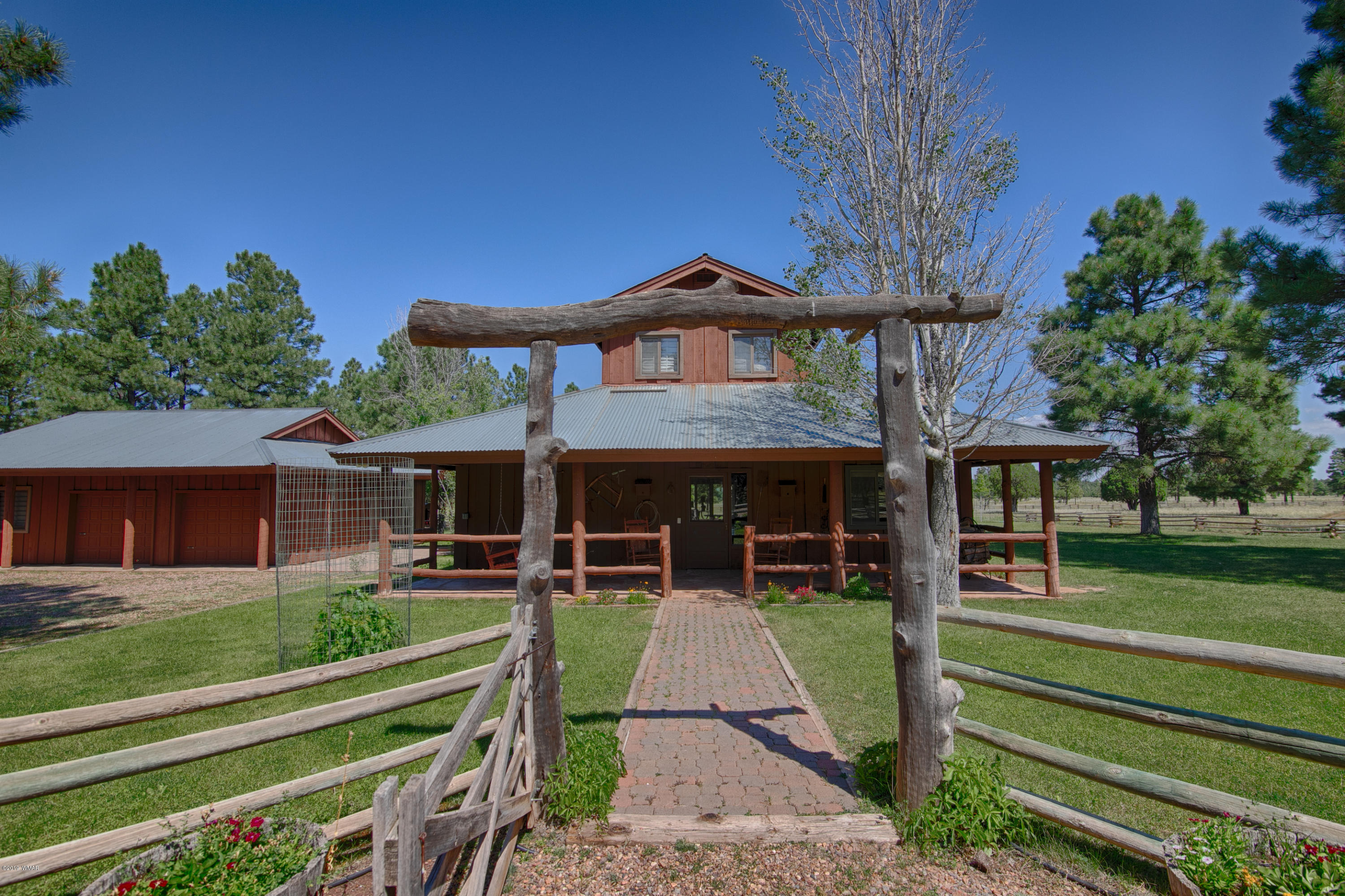 Photo of 9957 Porter Mountain Road, Lakeside, AZ 85929