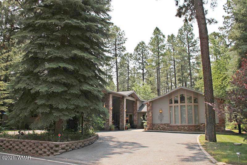 Photo of 8607 Country Club Drive, Pinetop, AZ 85935