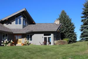 Listing 299636 Harbor Springs Michigan -
