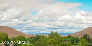 8 Selah Gap View North