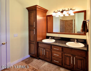 14 Double Vanity In Master Bathroom