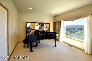 2 Formal Living Room