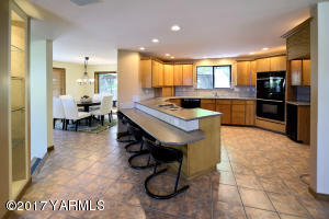 5 Large Kitchen with Casual Eating Bar