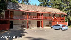 Riverfront Lodge