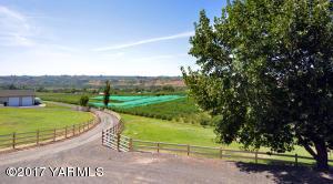 19 Gorgeous Valley Views