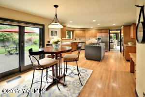 10 Casual Eating Area off Kitchen