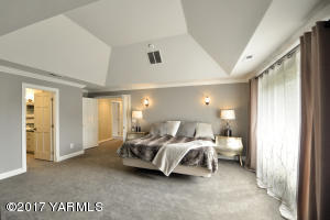 15 Master Suite Oasis