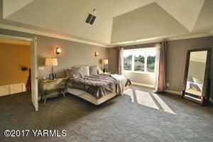 15a Master Suite with View