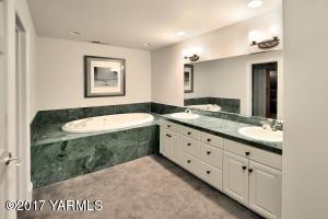 15b Master Bathroom
