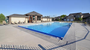 17 Community Pool and Club