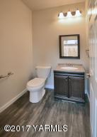 7a Guest Bath Main Floor