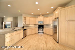 2a Granite Counters & Highend Appliances
