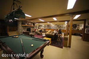 17 Game Room