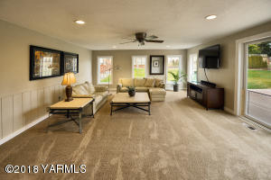 7 Second living room off dining