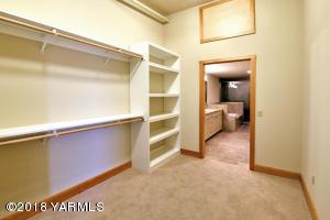 8-Expansive Walk-In Closet