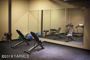 12-Lofts Gym Facility