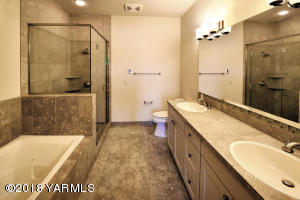 5-Natural Stone Finishes in Master Bath
