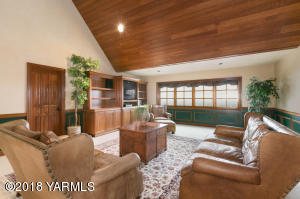 Upper Level Family Room