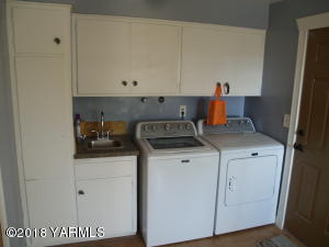 Utility Area with Sink