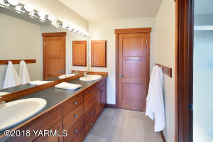 10 Bathroom Shared by Bedrooms 2 & 3