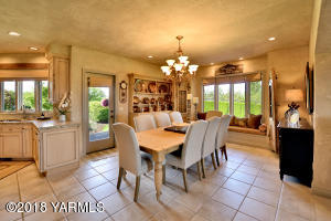 7 Formal Dining Just Off Kitchen
