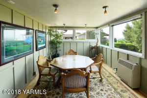 6 Private Sun Room off Dining Room