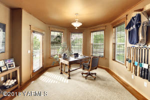 7 Private Office With Views