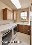 22 Spacious Laundry Room