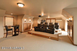 23 Fantastic Media Room