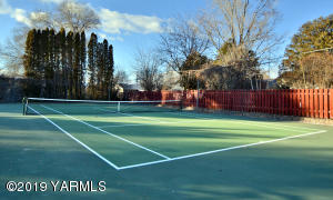 5 Private Tennis Court
