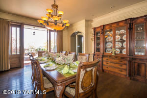 20_Formal Dining Room