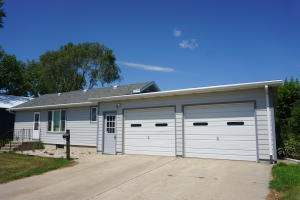 224 W 6th Avenue, Redfield, SD 57469