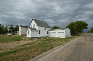 204 S 11th Street, Aberdeen, SD 57401