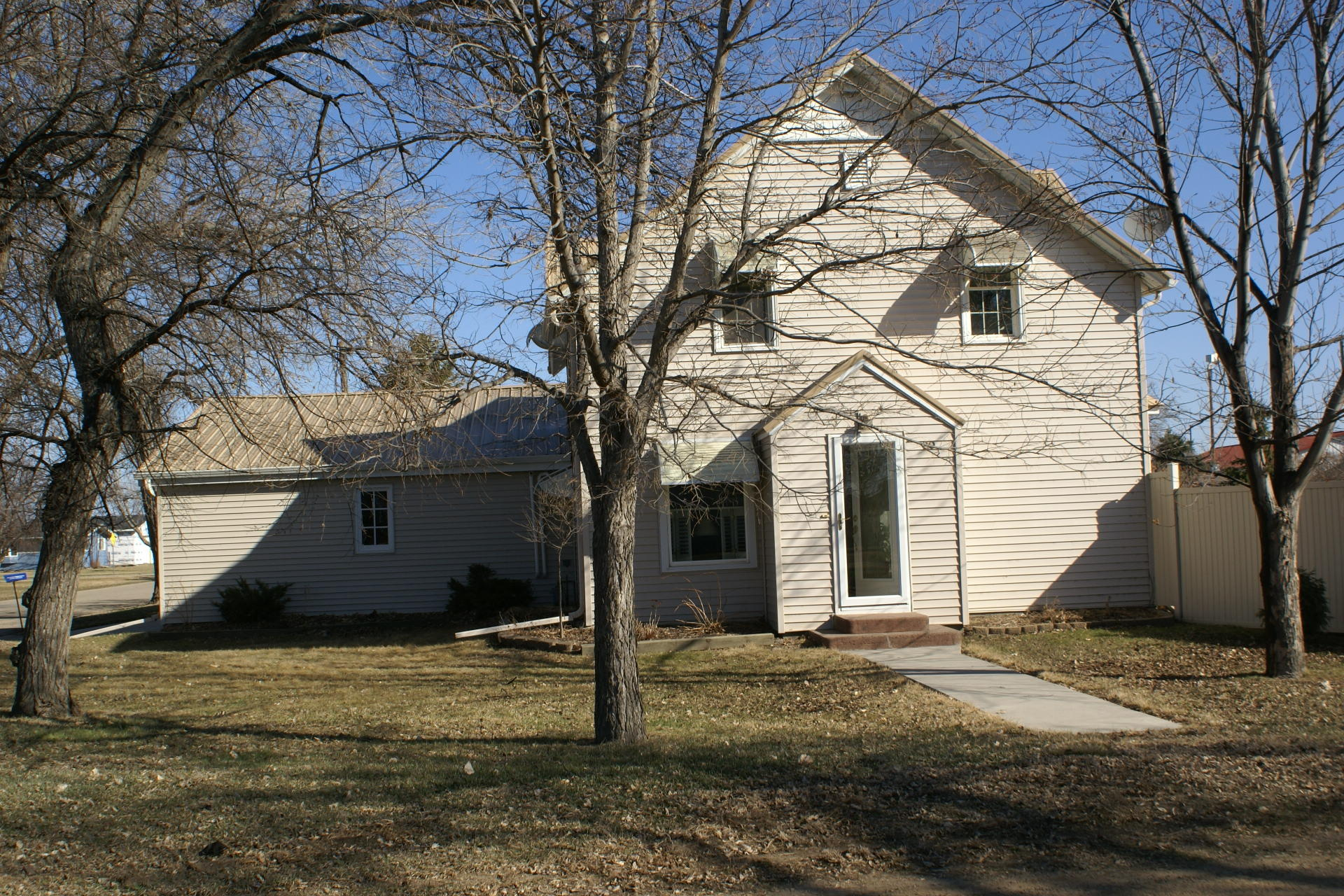 Bright and sunny main floor, large fenced yard.   Battery backup on sump pump. See attached list of owner updates, repairs and improvements.