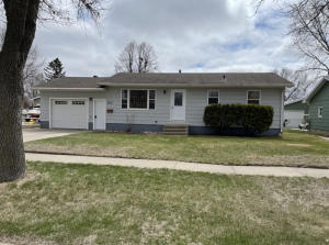 1210 NE 12th Avenue, Aberdeen, SD 57401