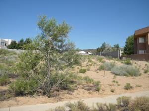6803 TAMARISK Place NW, Albuquerque, NM 87120