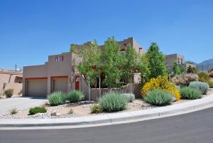 5700 Valerian Place NE, Albuquerque, NM 87111