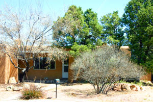 1316 Quincy Street NE, Albuquerque, NM 87110