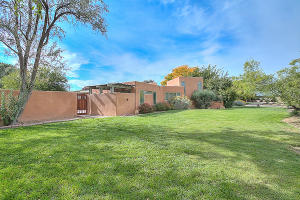 4000 Ivy Lawn Court NW, Albuquerque, NM 87107