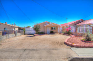 514 Headingly NW, Albuquerque, NM 87107