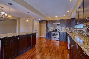 5216 Spinning Wheel Road NW, Albuquerque, NM 87120