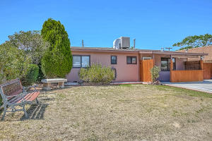 3405 Cheraz Road NE, Albuquerque, NM 87111